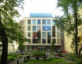 Административное здание на ул.Чайковского