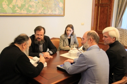 Митрополит Варсонофий поддержал проект мемориального