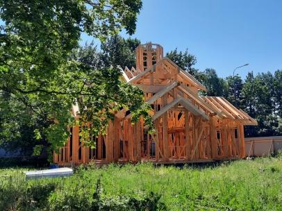 Фото строительства малого храма на Крестовском острове
